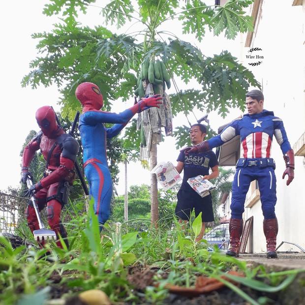 Thanh niên khoe ảnh chụp thân mật cùng cả dàn siêu anh hùng, còn cả gan sai Spiderman, Deadpool và Captain đi bọc đu đủ - Ảnh 7.