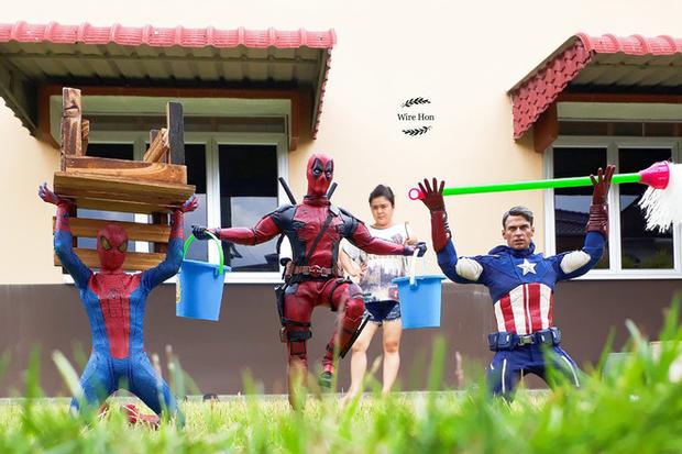 Thanh niên khoe ảnh chụp thân mật cùng cả dàn siêu anh hùng, còn cả gan sai Spiderman, Deadpool và Captain đi bọc đu đủ - Ảnh 4.