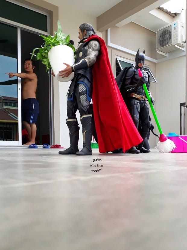 Thanh niên khoe ảnh chụp thân mật cùng cả dàn siêu anh hùng, còn cả gan sai Spiderman, Deadpool và Captain đi bọc đu đủ - Ảnh 10.