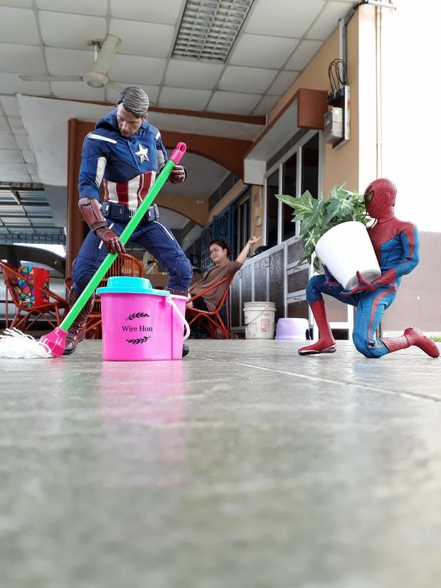 Thanh niên khoe ảnh chụp thân mật cùng cả dàn siêu anh hùng, còn cả gan sai Spiderman, Deadpool và Captain đi bọc đu đủ - Ảnh 11.