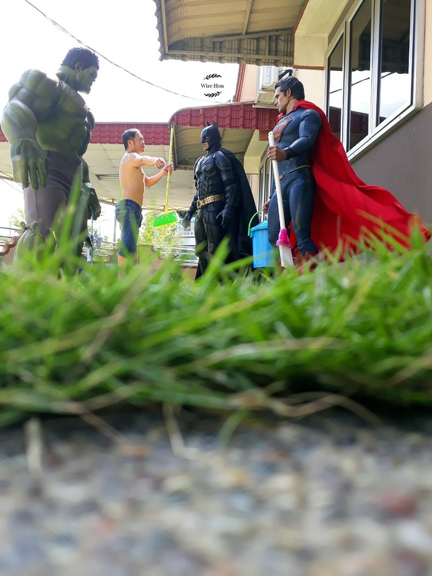 Thanh niên khoe ảnh chụp thân mật cùng cả dàn siêu anh hùng, còn cả gan sai Spiderman, Deadpool và Captain đi bọc đu đủ - Ảnh 12.