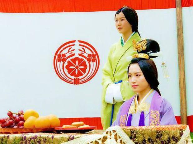 Diên Hi Công Lược: Nhĩ Tình - Viên Xuân Vọng là vợ chồng từ 4 năm trước - Ảnh 9.