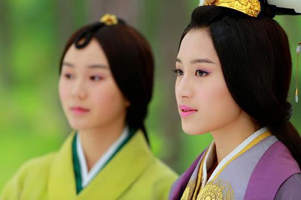 Diên Hi Công Lược: Nhĩ Tình - Viên Xuân Vọng là vợ chồng từ 4 năm trước - Ảnh 7.