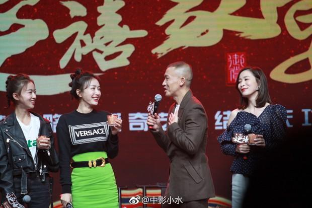 Phú Sát Tần Lam tuy đẹp nao lòng nhưng cũng có lúc diện nguyên cây đồ hiệu mà trông như hàng mua Taobao - Ảnh 2.