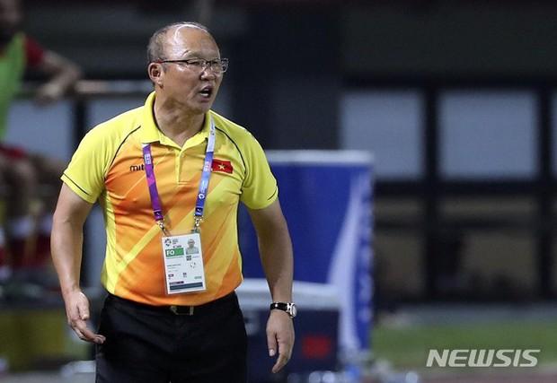 HLV Park Hang Seo: Tôi yêu Hàn Quốc nhưng trách nhiệm phải giúp Việt Nam chiến thắng - Ảnh 2.
