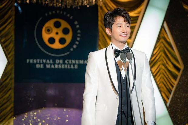 Phim kinh dị của mợ ngố Song Ji Hyo có gì mà ai xem cũng không dứt ra được? - Ảnh 3.