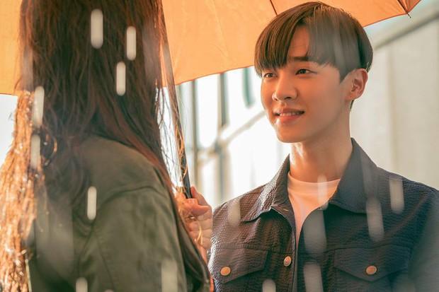 Phim kinh dị của mợ ngố Song Ji Hyo có gì mà ai xem cũng không dứt ra được? - Ảnh 5.