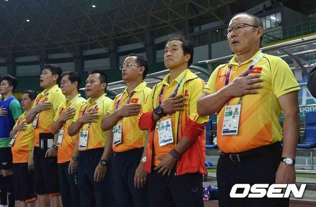 Vì sao HLV Park Hang Seo tươi cười khi Olympic Việt Nam bại trận trước Hàn Quốc? - Ảnh 4.