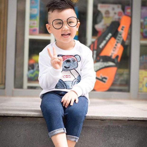 Cậu bé được bố giấu mẹ dẫn đi bão mừng Olympic Việt Nam chiến thắng liên tục hát Việt Nam ơi, Việt Nam ơi! sau khi trở về nhà - Ảnh 3.