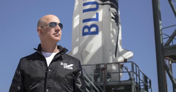 Ông trùm Jeff Bezos kiếm tiền ra sao, tiêu tiền thế nào mà giàu hơn Bill Gates tận 50 tỷ USD? - Ảnh 18.
