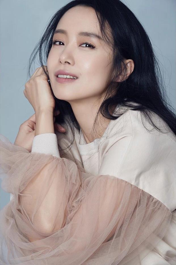 7 nữ diễn viên Hàn tài sắc nhất thập niên 90 sau 20 năm: Người mất tất cả vì tù tội, kẻ khốn khổ vì cưới tài phiệt - Ảnh 3.