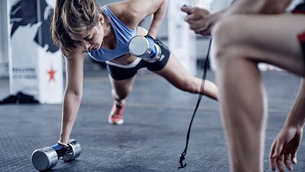 Đây là những sai lầm khi tập luyện khiến cơ thể nhanh lão hóa - Ảnh 2.