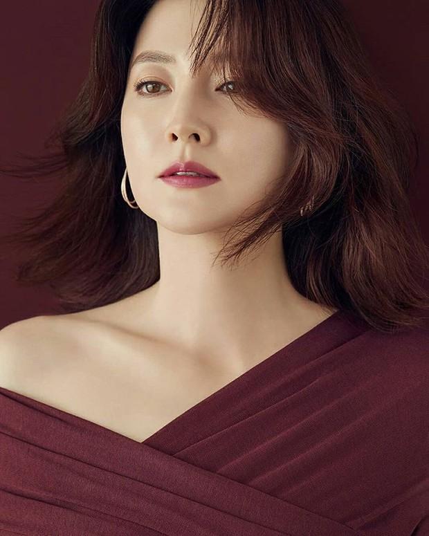 7 nữ diễn viên Hàn tài sắc nhất thập niên 90 sau 20 năm: Người mất tất cả vì tù tội, kẻ khốn khổ vì cưới tài phiệt - Ảnh 18.