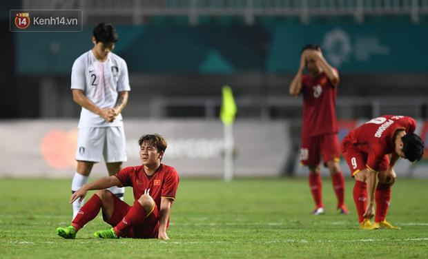 HLV Park Hang Seo cúi đầu giấu nỗi buồn sau trận thua Hàn Quốc - Ảnh 5.