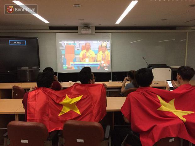 Trực tiếp từ Hàn Quốc: Hàng nghìn du học sinh và người hâm mộ hô vang Việt Nam vô địch trên đất Hàn, mong chờ phép màu xảy ra - Ảnh 14.