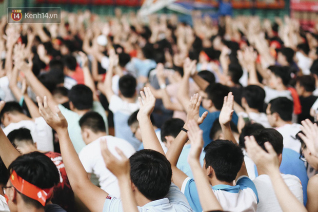 Sinh viên ĐH Bách Khoa, ĐH Kinh tế Quốc dân lo âu khi Olympic Việt Nam bị Hàn Quốc dẫn trước 2 bàn - Ảnh 12.