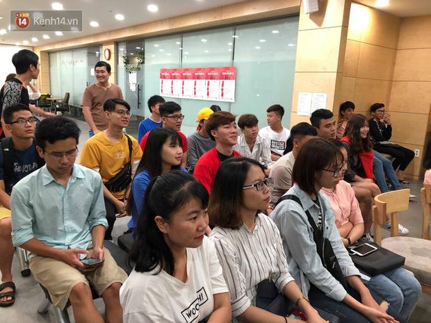 Trực tiếp từ Hàn Quốc: Hàng nghìn du học sinh và người hâm mộ hô vang Việt Nam vô địch trên đất Hàn, mong chờ phép màu xảy ra - Ảnh 16.