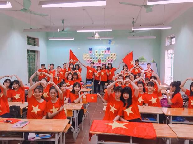 Những gương mặt thất thần khi Việt Nam thua 3-1 trước Hàn Quốc của người hâm mộ tại các trường Đại học - Ảnh 12.