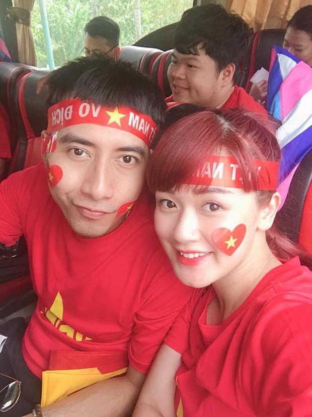 Hoàng Bách, Only C cùng nghệ sĩ Vbiz lên đường đến Indonesia tiếp lửa cho tuyển Việt Nam trong trận gặp Hàn Quốc - Ảnh 3.