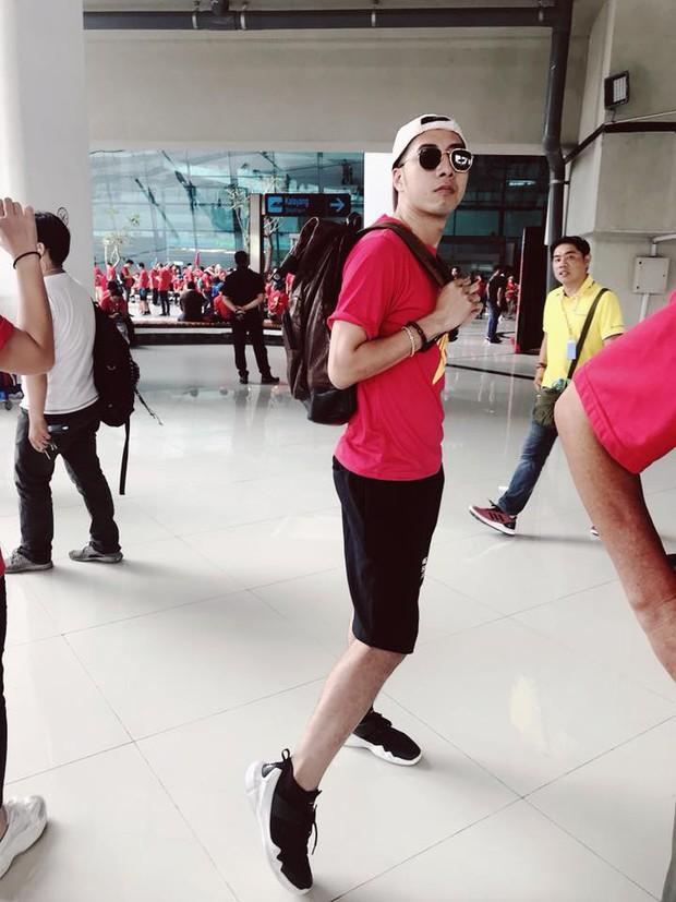 Hoàng Bách, Only C cùng nghệ sĩ Vbiz lên đường đến Indonesia tiếp lửa cho tuyển Việt Nam trong trận gặp Hàn Quốc - Ảnh 5.