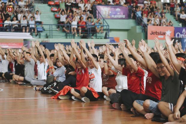 Sinh viên ĐH Bách Khoa, ĐH Kinh tế Quốc dân lo âu khi Olympic Việt Nam bị Hàn Quốc dẫn trước 2 bàn - Ảnh 2.