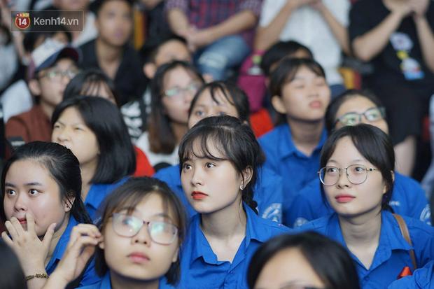 Sinh viên ĐH Bách Khoa, ĐH Kinh tế Quốc dân lo âu khi Olympic Việt Nam bị Hàn Quốc dẫn trước 2 bàn - Ảnh 5.