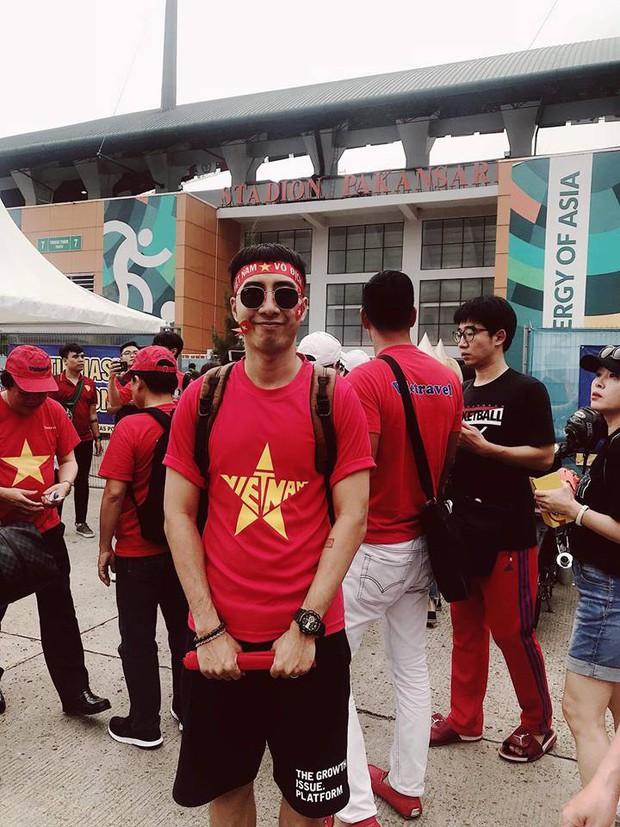 Hoàng Bách, Only C cùng nghệ sĩ Vbiz lên đường đến Indonesia tiếp lửa cho tuyển Việt Nam trong trận gặp Hàn Quốc - Ảnh 7.