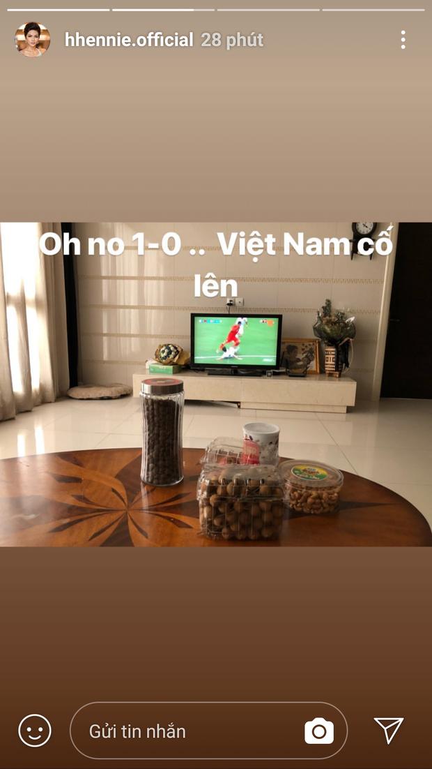 Thanh Tú bật khóc, Mỹ Linh và các thí sinh Hoa hậu Việt Nam 2018 vỡ oà trước cú ghi bàn tuyệt đẹp của Minh Vương - Ảnh 9.