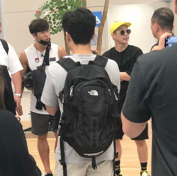 Kim Jong Kook và Haha bất ngờ đến Sài Gòn vào trưa nay, phải chăng để đi bão sau trận Olympic Hàn - Việt? - Ảnh 3.