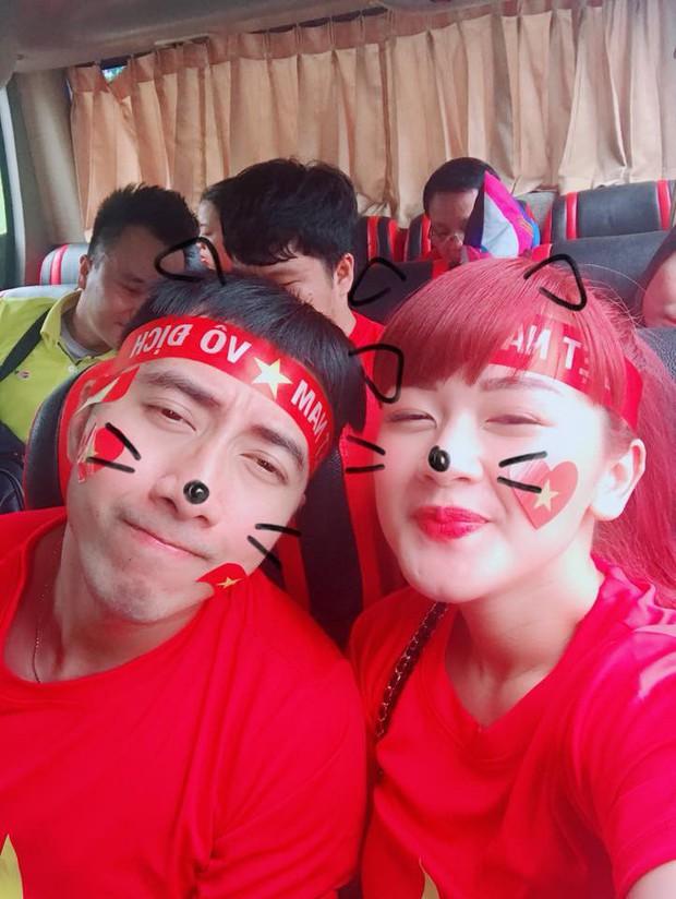 Hoàng Bách, Only C cùng nghệ sĩ Vbiz lên đường đến Indonesia tiếp lửa cho tuyển Việt Nam trong trận gặp Hàn Quốc - Ảnh 4.