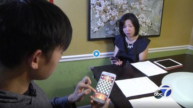 Sang Việt Nam chơi, gia đình Mỹ hết hồn với hóa đơn 300 triệu phí dữ liệu di động khi về nhà - Ảnh 1.