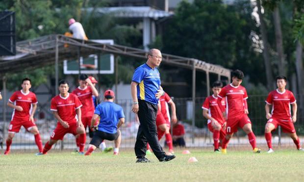 Truyền thông Hàn Quốc lo ngại khi đội nhà đối đầu Olympic Việt Nam - Ảnh 1.