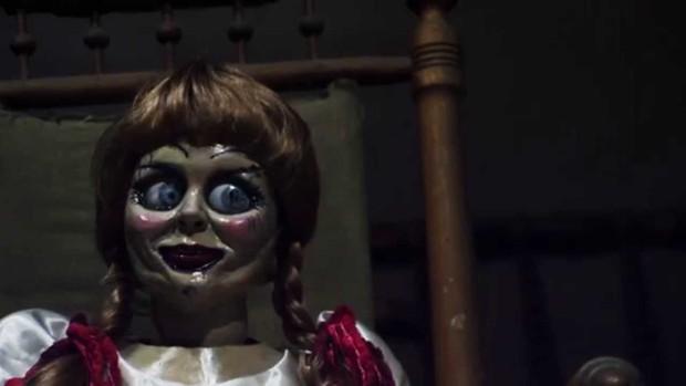 """Soi nhẹ gương mặt """"trang điểm lỗi"""" của 5 ác quỷ phim kinh dị: Sai là chị Valak! - Ảnh 16."""
