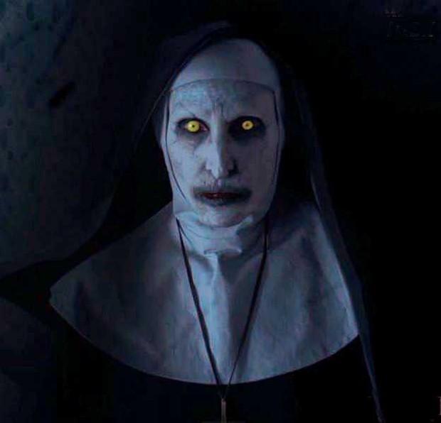 """Soi nhẹ gương mặt """"trang điểm lỗi"""" của 5 ác quỷ phim kinh dị: Sai là chị Valak! - Ảnh 18."""