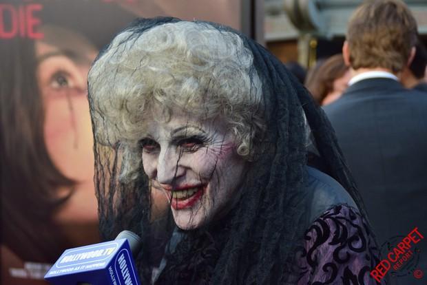 """Soi nhẹ gương mặt """"trang điểm lỗi"""" của 5 ác quỷ phim kinh dị: Sai là chị Valak! - Ảnh 11."""