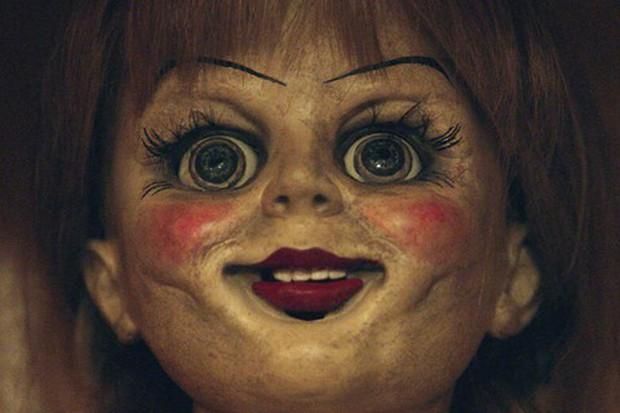 """Soi nhẹ gương mặt """"trang điểm lỗi"""" của 5 ác quỷ phim kinh dị: Sai là chị Valak! - Ảnh 15."""