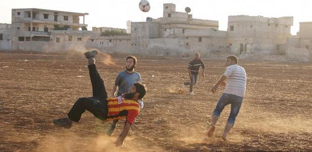 Chuyện ở những quốc gia có tình yêu bóng đá mãnh liệt không kém gì Việt Nam - Ảnh 11.