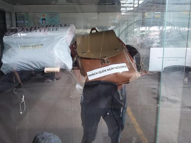 Có thể bạn chưa biết:  Bên trong chiếc tủ trứ danh chuyên chứa đồ thất lạc của bến xe Nước Ngầm - Ảnh 5.