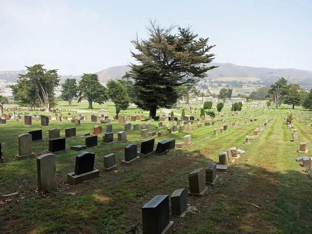 Thành phố của những linh hồn ở Mỹ: Khi mộ phần của người chết lấn át, nhiều gấp 10 lần dân số, chỉ việc còn sống cũng làm con người thở phào nhẹ nhõm - Ảnh 2.