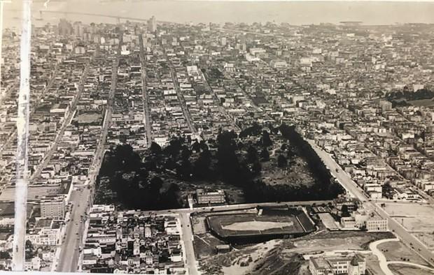 Thành phố của những linh hồn ở Mỹ: Khi mộ phần của người chết lấn át, nhiều gấp 10 lần dân số, chỉ việc còn sống cũng làm con người thở phào nhẹ nhõm - Ảnh 6.