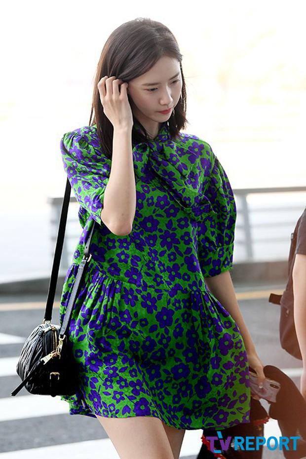 CL, Park Min Young, Yoona: Màn đọ sắc ở sân bay gây tranh cãi - Ảnh 18.
