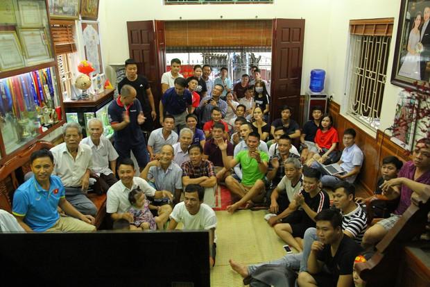 Gia đình cầu thủ Quang Hải nói về trận Bán kết giữa Olympic Việt Nam và Hàn Quốc: Thua nhưng xứng đáng, chấp nhận và vui vẻ - Ảnh 1.