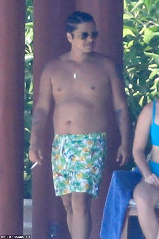 Hình ảnh hot nhất showbiz quốc tế hôm nay: Dân tình giật mình vì thân hình béo phệ khó tin của Bruno Mars! - Ảnh 5.