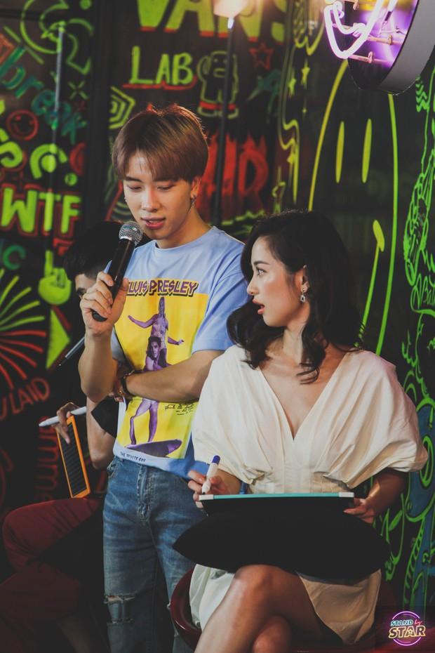 Bị nghi nói dối về số đo cơ thể, Jun Vũ thoải mái để fan trực tiếp kiểm chứng ngay trên sân khấu - Ảnh 3.