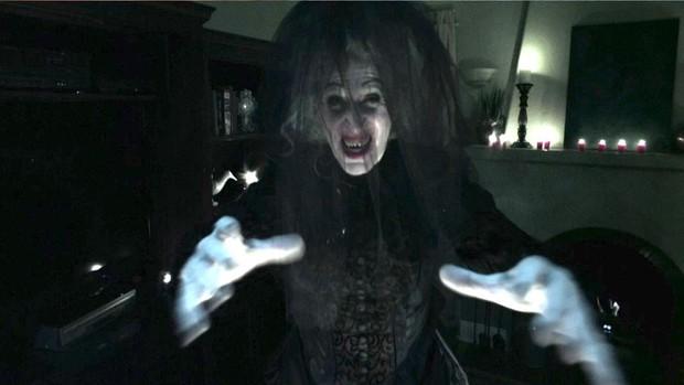 """Soi nhẹ gương mặt """"trang điểm lỗi"""" của 5 ác quỷ phim kinh dị: Sai là chị Valak! - Ảnh 10."""