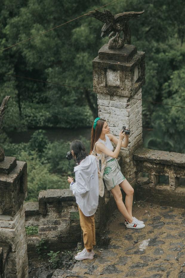 Đi du lịch thôi mà Salim, Jolie Nguyễn, Cao Thiên Trang... lên đồ xinh và nổi hết phần người khác - Ảnh 6.