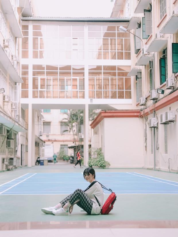 Ở Hà Nội có 1 ngôi trường mà đến cái thùng rác cũng là 1 góc sống ảo so deep - Ảnh 12.
