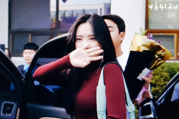 Ngược đời nhan sắc mỹ nhân Hàn: Ảnh chính thức bị dìm như thảm họa, hình chụp vội thì đẹp đỉnh cao - Ảnh 12.