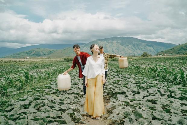 Đi du lịch thôi mà Salim, Jolie Nguyễn, Cao Thiên Trang... lên đồ xinh và nổi hết phần người khác - Ảnh 10.