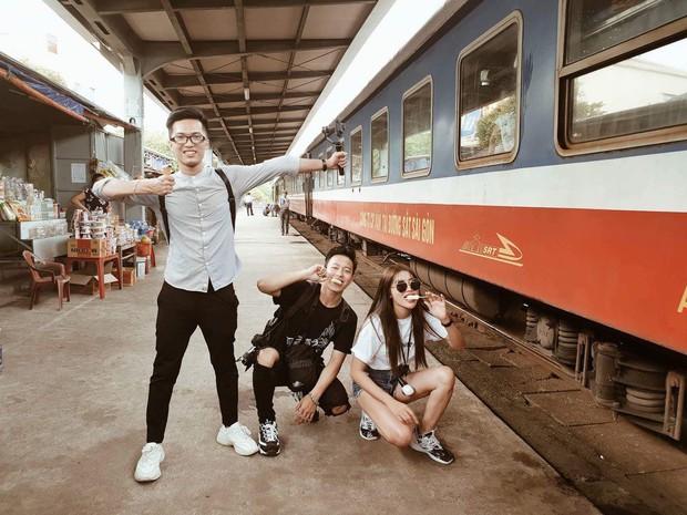 Đi du lịch thôi mà Salim, Jolie Nguyễn, Cao Thiên Trang... lên đồ xinh và nổi hết phần người khác - Ảnh 7.